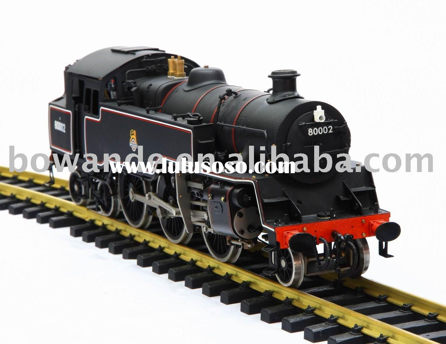 1:32 model steam locomotive