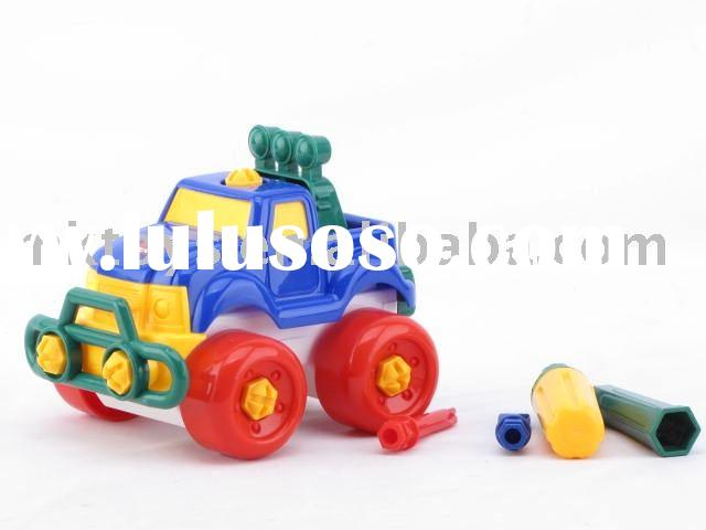 TAKE-APART CROSS-COUNTRY CAR (plastic toy)
