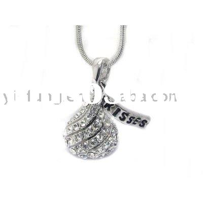 White Gold Plating Clear Crystal Candy Kiss Kisses Charm Pendant Necklace Fashion Jewelry