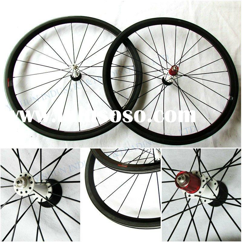 Carbon road bike 38mm clincher wheels with aero bladed spokes