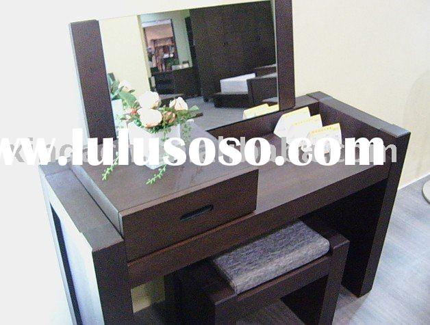 Modern dressing table with folded mirror