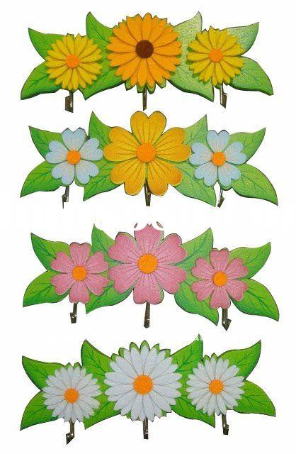 Decorative wooden wall hook with felt flower decoration, each with 3 hooks, 4 design ass.