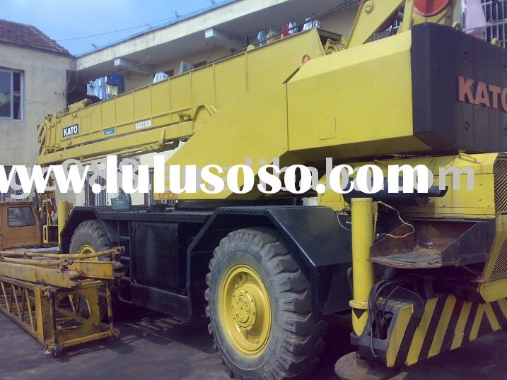 used kato 25ton ,rough terrain crane