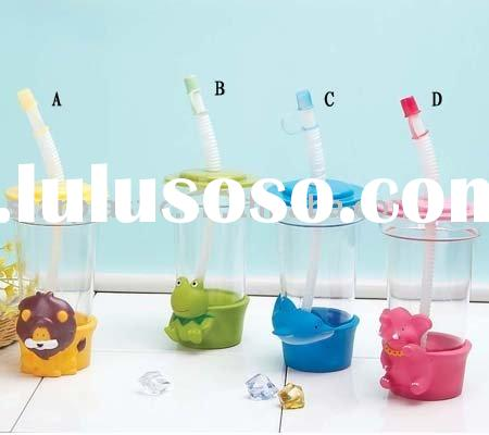 BPA free,hot sale,popular design plastic straw cup with cartoon holder,promotion cups