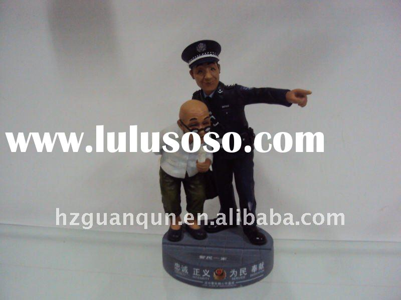 resin action figures-- police help old man about 12 cm