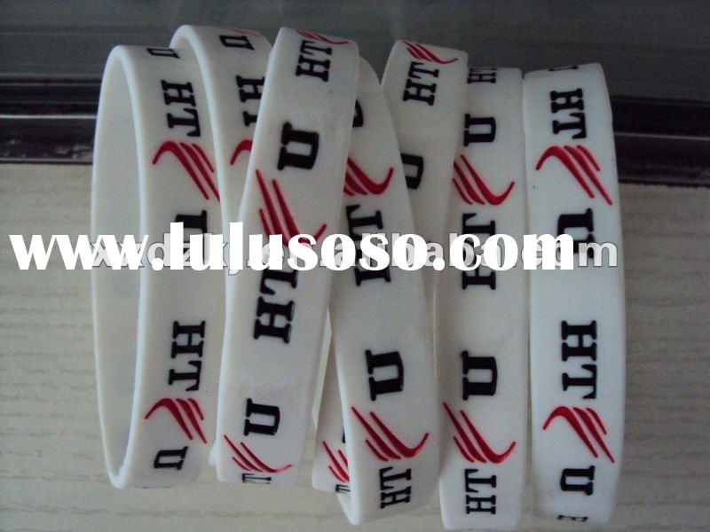 very cheap debossed silicone bracelet for promotional gifts in large scale production
