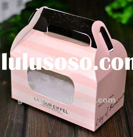 Clear plastic cake boxes and packaging