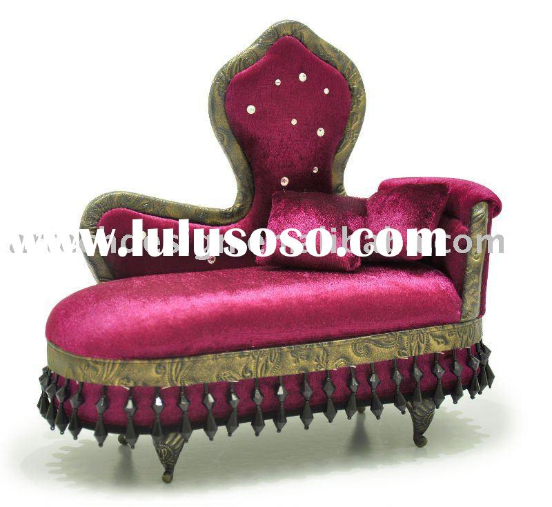 San c victorian velvet sofa jewelry box for sale price for Chaise jewelry box