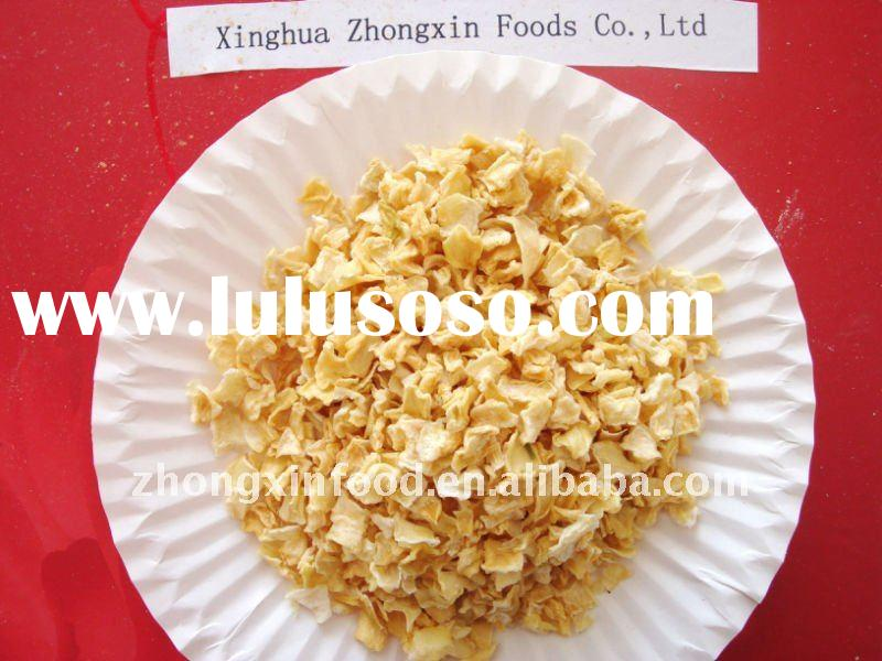 sell light yellow dehydrated onion flakes 10*10mm