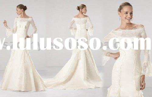 the best-selling cream-colored lace bridal wedding gown with long tailing TY2265