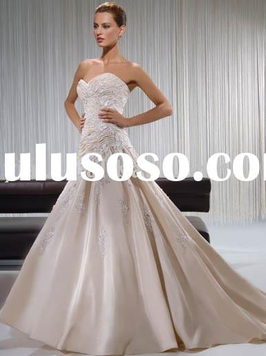 Sweetheart neckline with detachable cap sleeves wedding dress