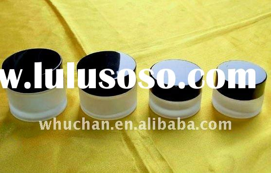 Different size cosmetic glass jar with lid