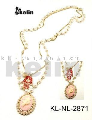 fashion alloy pearl chain with acrylic pendant necklace
