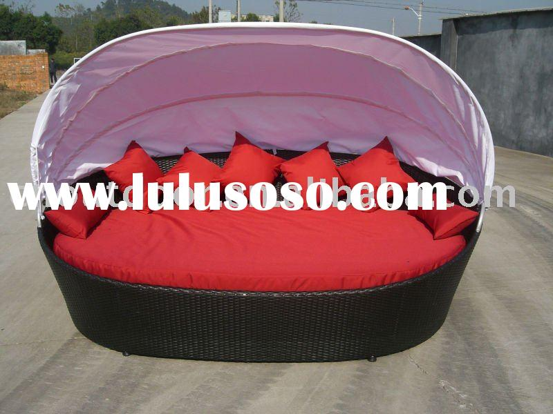 Modern unique design round rattan lounge bed for sale for Round bed designs with price