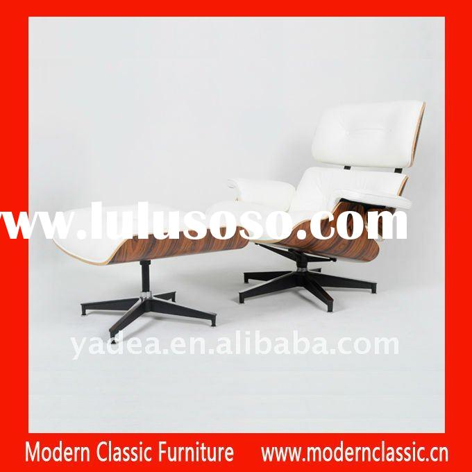 Walnut Eames Lounge Chair in white aniline leather