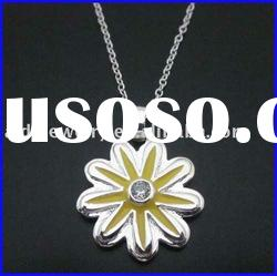 wholesale fashion accessories with daisy necklace