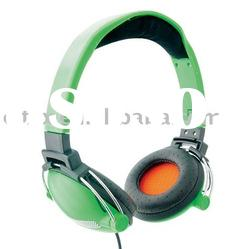 Stero headphone with double metal-supported ear cup,3.5 mm Stereo Plug and 40 mm Driver Unit
