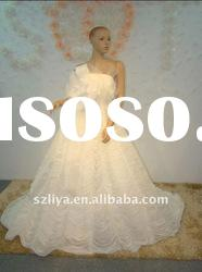 real products picture off-shoulder flower and layered wedding gown