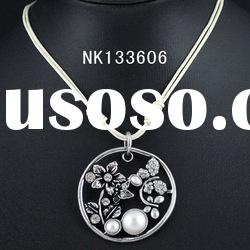2013 trendy spring girls picture necklace with rhinestone silver plated