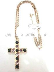 fashion necklace with cross pendant