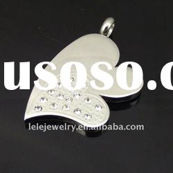 fashion stainless steel diamond heart pendant designs popular in Europe and America