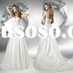 Exquisite Strapless Sweetheart Appliqued Lace Flower Bow Wedding Dress