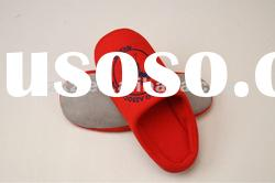 Latest design disposable hotel slippers according to customers require
