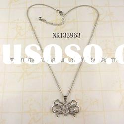 delicate design zinc alloy crystal spider pendant necklaces