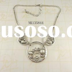 new design zinc alloy pearl resin stone necklace plated silver