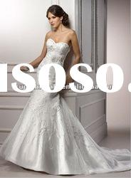 Latest style strapless lace applique satin wedding gown 2012 CBW11308