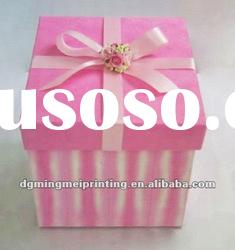 Pink paper gift box for ring