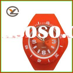 2012 New arrival Fashion jelly silicone wristband watch