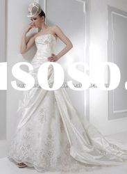 2012 strapless delicate embroidery and flowers accented a line taffeta elegant wedding dress
