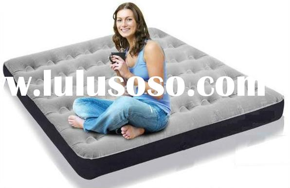 Queen size inflatable air mattress with built in pump